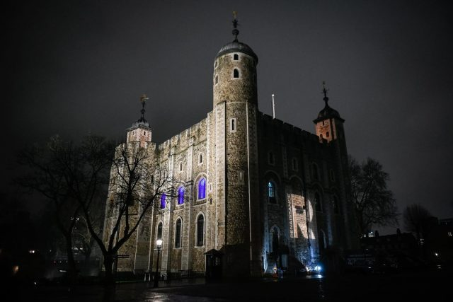 Tower of London on a winters evening. . . Shot by @mattstokes_ . . #toweroflondon #ig_london #londonview #eventprofs #history #beefeaters #YeomenWarders #armedforces #eventprofsuk #corporateevents